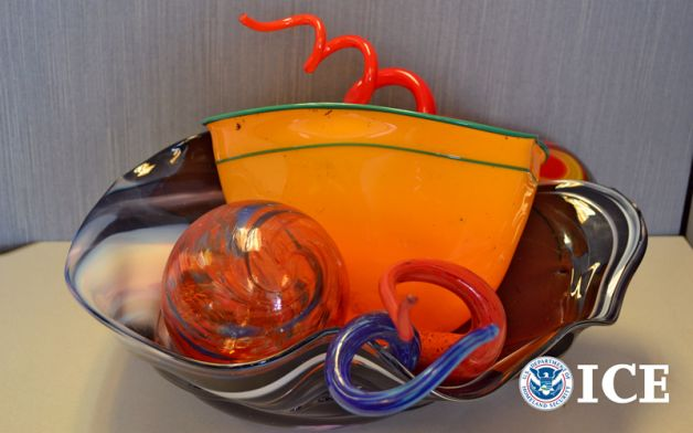 Glass art falsely purported to be by Dale Chihuly, as sold by Michael Little