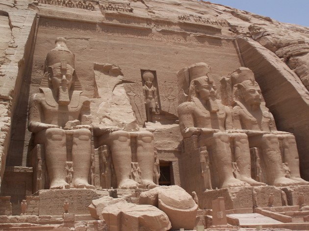 Temple of Rameses II, ca. 1290-1224 BCE. Abu Simbel, Egypt. Image courtesy Wikipedia.