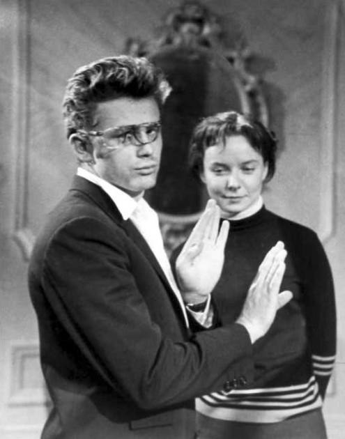 """James Dean rehearsing """"The Thief"""" with Diana Lynn, 1955"""