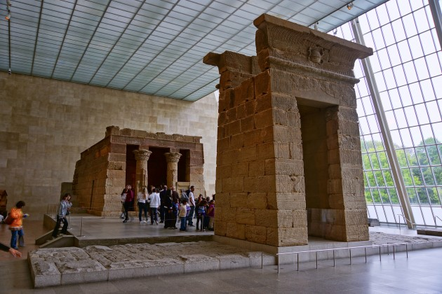 Temple of Dendur, c. 15 BC. Dendur, Egypt. Located at the Metropolitan Museum of Art. Image courtesy Wikipedia via Jean-Christophe BENOIST