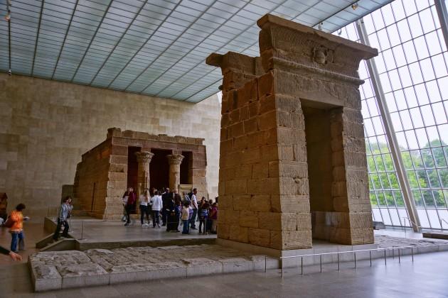 Temple of Dendur, c. 15 BC. Dendur, Egypt. Located at the Metropolitan Museum of Art. Image courtesy Wikipedia via Jean-Christophe BENOIST
