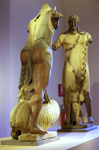 Figures of Hercules (left) and Apollo (right) from Veii, c. 510-500 BCE. Terracotta