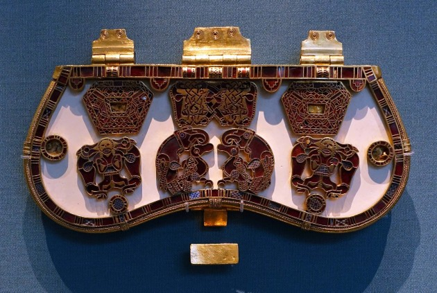 Sutton Hoo Purse Clasp, early 7th century. Gold, garnet and millefiori, 8.3 x 19 cm (The British Museum). Image courtesy Steven Zucker and Smarthistory via Flickr